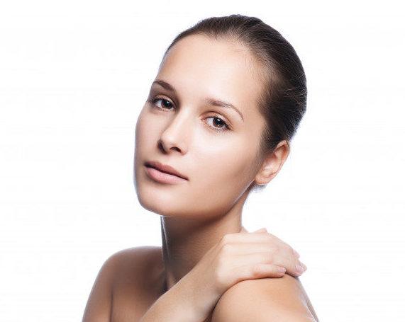 hermoso-rostro-femenino-joven-tez-bienestar_78203-460-e1553040445116.jpg